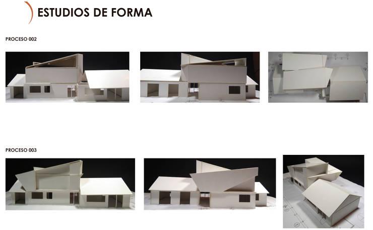 Estudio de Forma Ampliación Casa La Reina, Santiago:  de estilo  por MÜR Rukafe