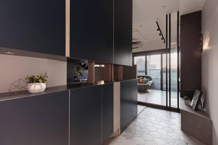Koridor dan lorong by Moooi Design 驀翊設計