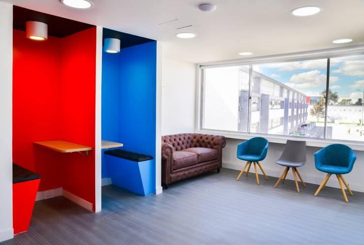 Oficina Coworkin Grupo Quick: Estudios y despachos de estilo  por Parámetro Arquitectura & Ingeniería, Minimalista