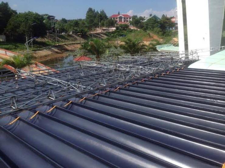 BAT PHU THANH:  Mái che nhà xe by MAI HIEN DI DONG HA NOI 0945158931