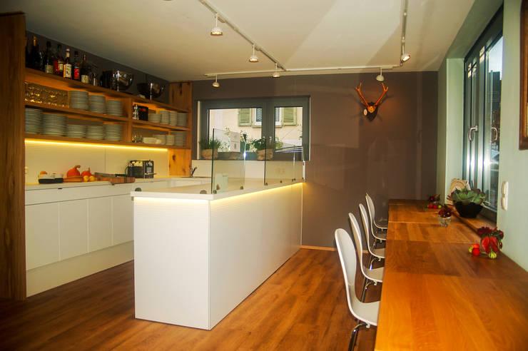 Restaurants de style  par Innenarchitektur Olms, Moderne