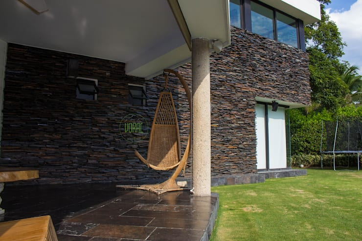 Country house by Voral Piedra, Classic Stone