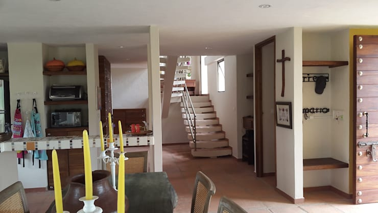 Escaleras: Escaleras de estilo  por Ba arquitectos