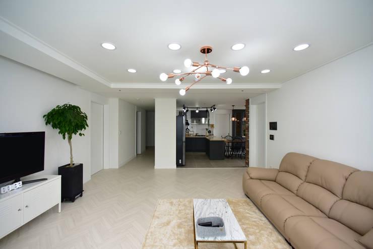 향남 우미린아파트 34PY: 누보인테리어디자인의  거실,