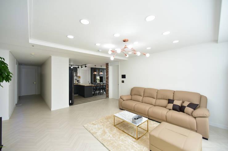 Salon moderne par 누보인테리어디자인 Moderne