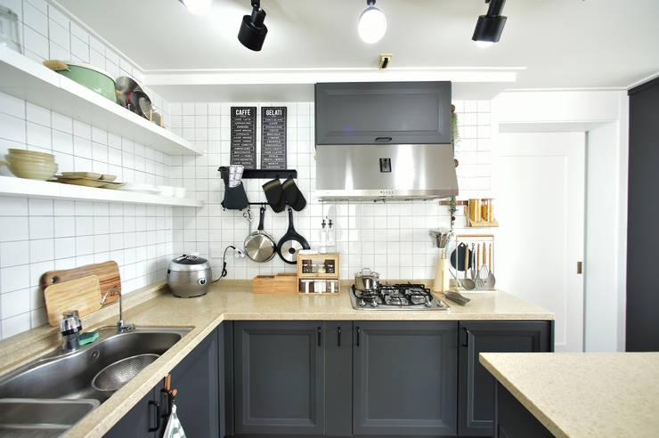 Cuisine moderne par 누보인테리어디자인 Moderne