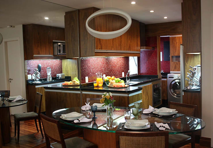 Modern dining room by RQ ARQ Modern