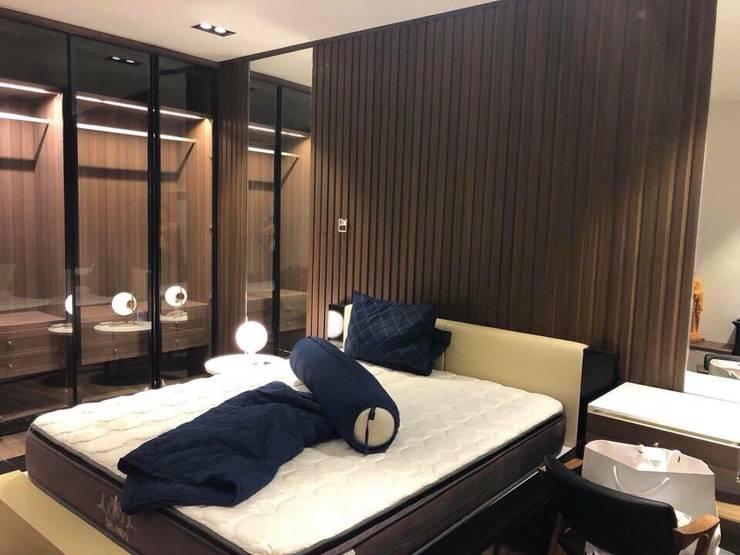 Đội thợ kho sàn tốt:  Bedroom by Công Ty TNHH Đầu Tư Và Thương Mại KST