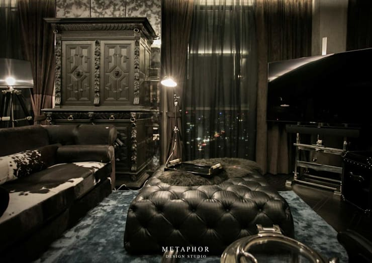 The Dark Night:  ห้องนั่งเล่น by Metaphor Design Studio
