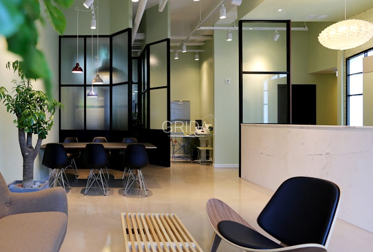 병원 인테리어 '삼성레이디 여성의원' : 그리다아이디의  서재 & 사무실,