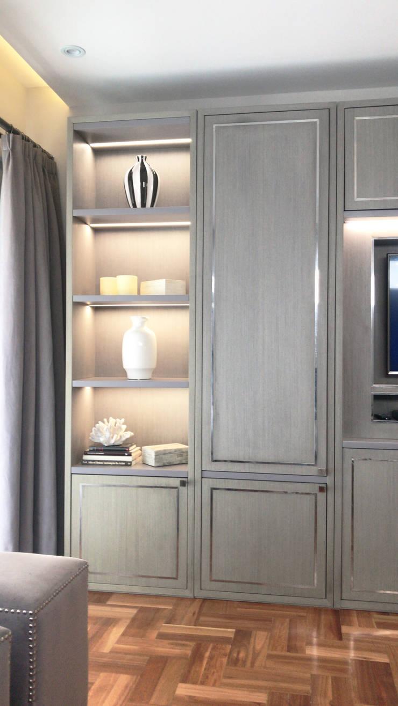 Mueble galeria TV: Livings de estilo  por Estudio Nicolas Pierry,