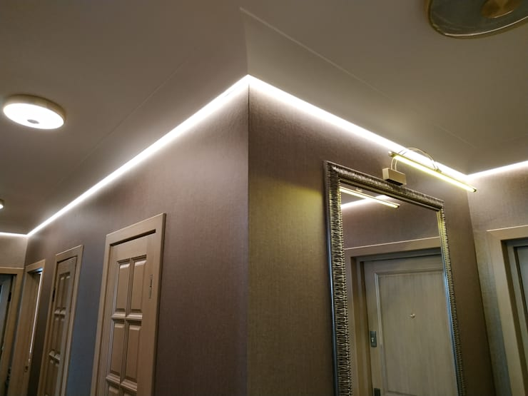 Ingresso, Corridoio & Scale in stile classico di ИП Жамойтины Светлана и Роланд Classico Vetro