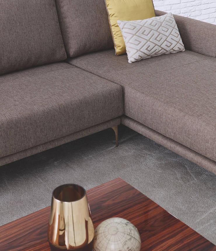MOBILIÁRIO E ACESSÓRIOS : Sala de estar  por 7eva design  - Arquitectura e Interiores,