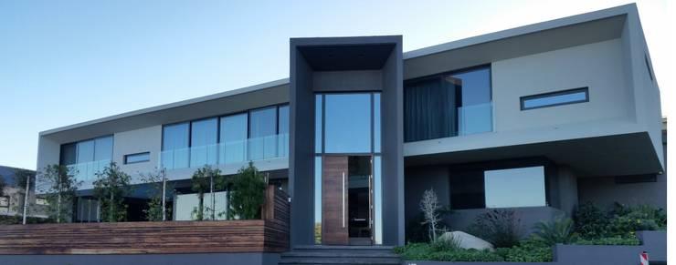 Portes coulissantes de style  par ALU-EURO ALUMINIUM PRODUCTS, Moderne Aluminium/Zinc