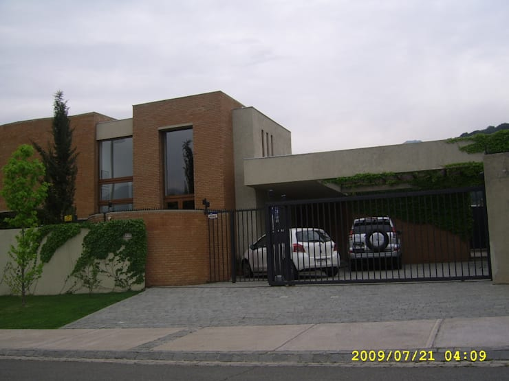 Casas nuevas finas terminaciones: Casas de estilo  por JORGE PALMA PAPIC E.I.R.L.