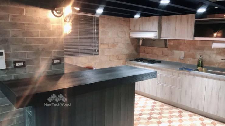 碳黑色塑木桌面:  廚房 by 新綠境實業有限公司