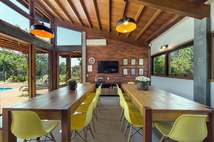 Dining room by Arqsoft Arquitetura e Engenharia LTDA, Rustic