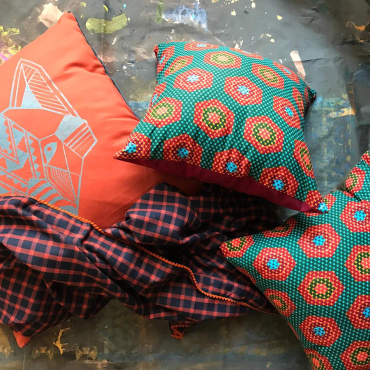 Terracotta snuggle set: modern  by Alpha Btch, Modern Natural Fibre Beige