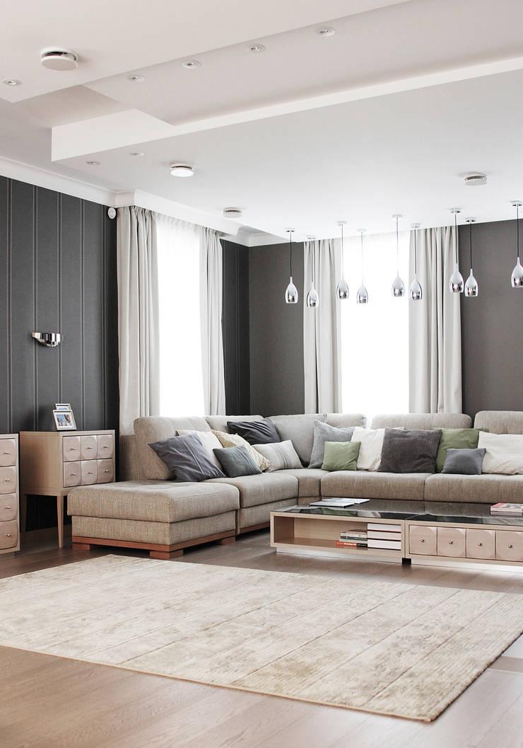 Загородный дом в Юкках: Гостиная в . Автор – Wide Design Group