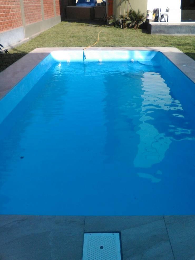 Agua:  de estilo  por Pool Solei