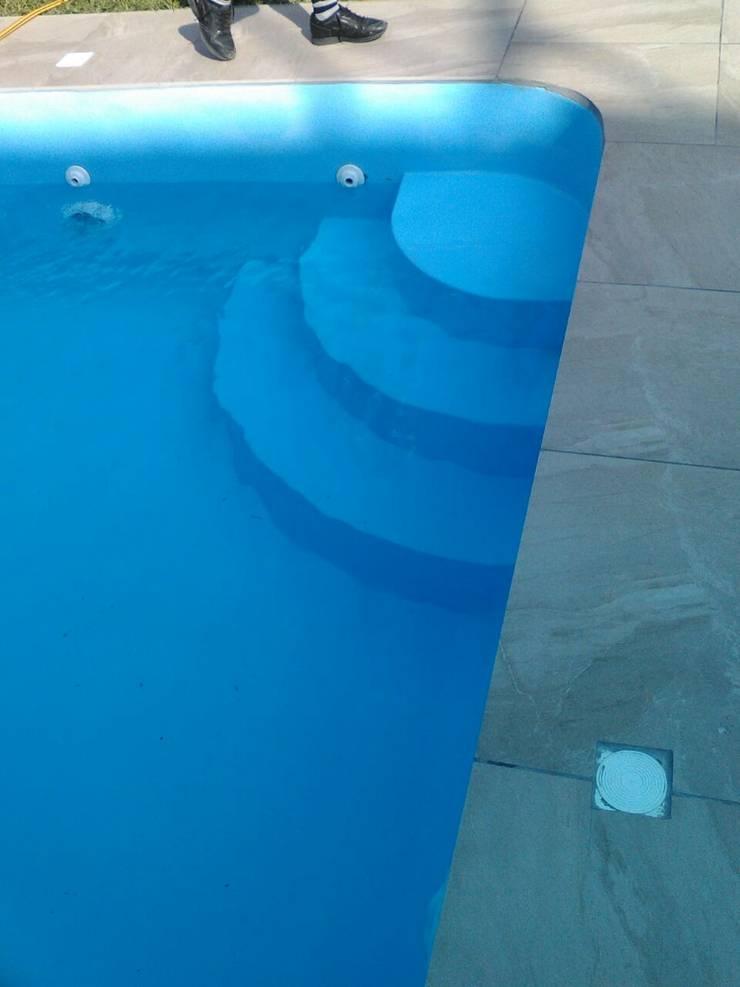 Escaleras:  de estilo  por Pool Solei