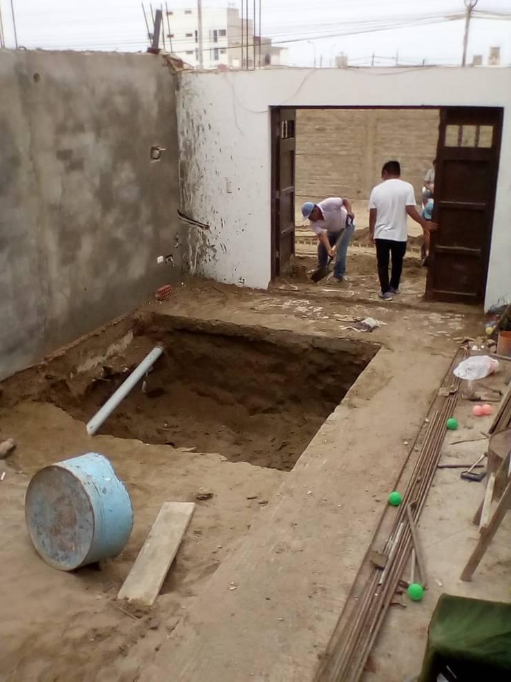 Excavacion: Piscinas de jardín de estilo  por Pool Solei