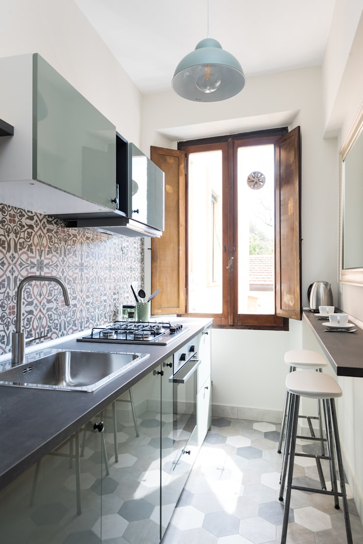 Small kitchens by Caterina Raddi, Eclectic