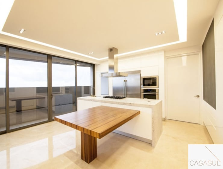 Kitchen by CASASUL