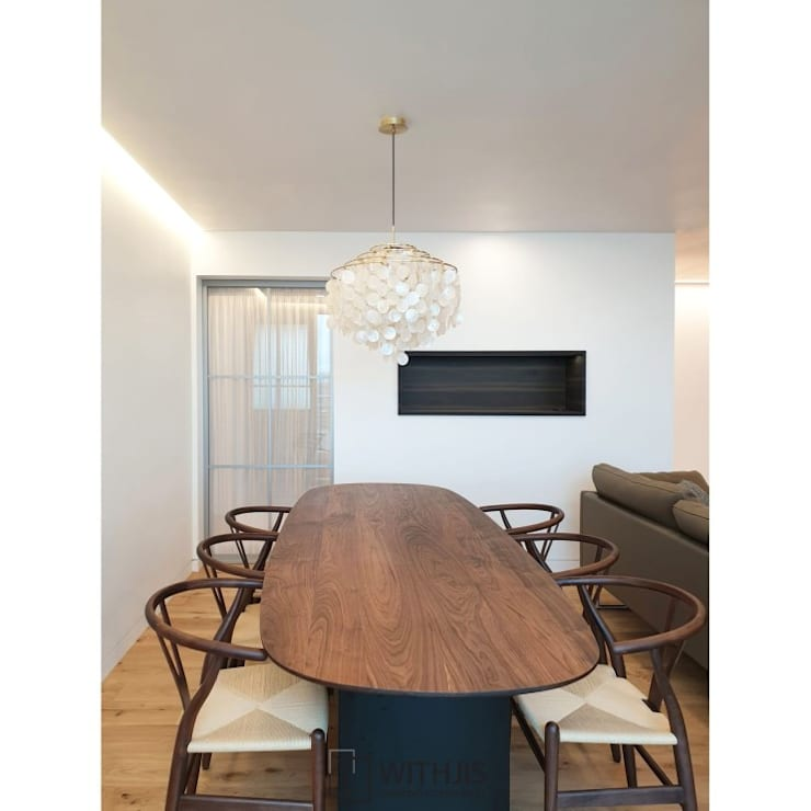 Dining room by WITHJIS(위드지스), Modern Aluminium/Zinc