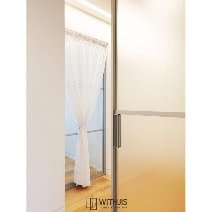 Inside doors by WITHJIS(위드지스), Modern Aluminium/Zinc