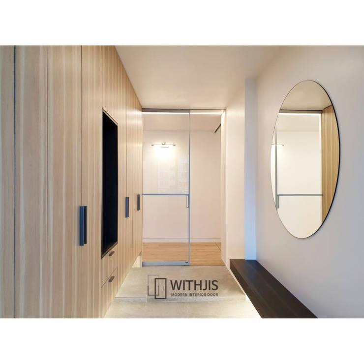 走廊 & 玄關 by WITHJIS(위드지스), 現代風 鋁箔/鋅