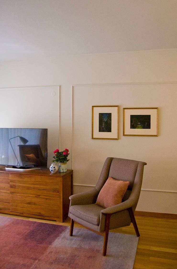 Salas / recibidores de estilo  por Tangerinas e Pêssegos - Design de Interiores & Decoração no Porto, Ecléctico