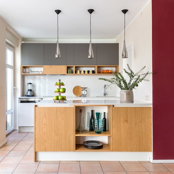 Built-in kitchens by CONSCIOUS DESIGN - INTERIORS, Modern Quartz