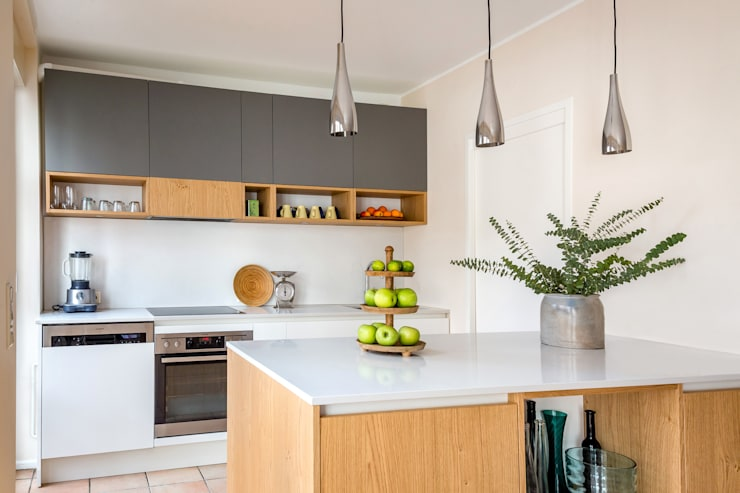 Built-in kitchens by CONSCIOUS DESIGN - INTERIORS, Modern Wood Wood effect