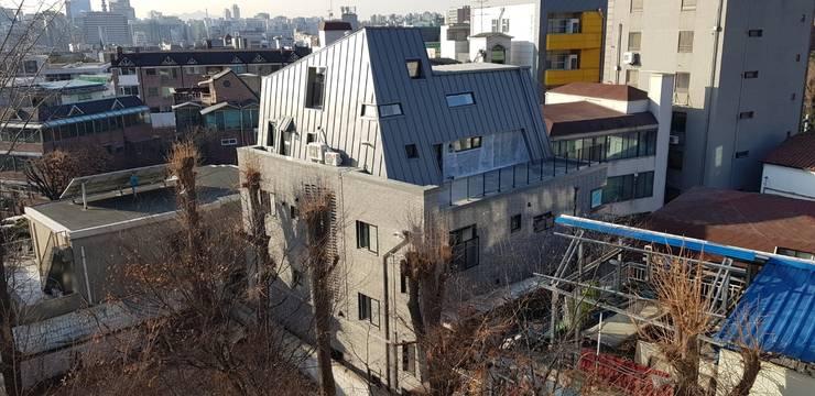 청운지몽-청운동 상가주택: (주)믹스토리건축사사무소의  ,