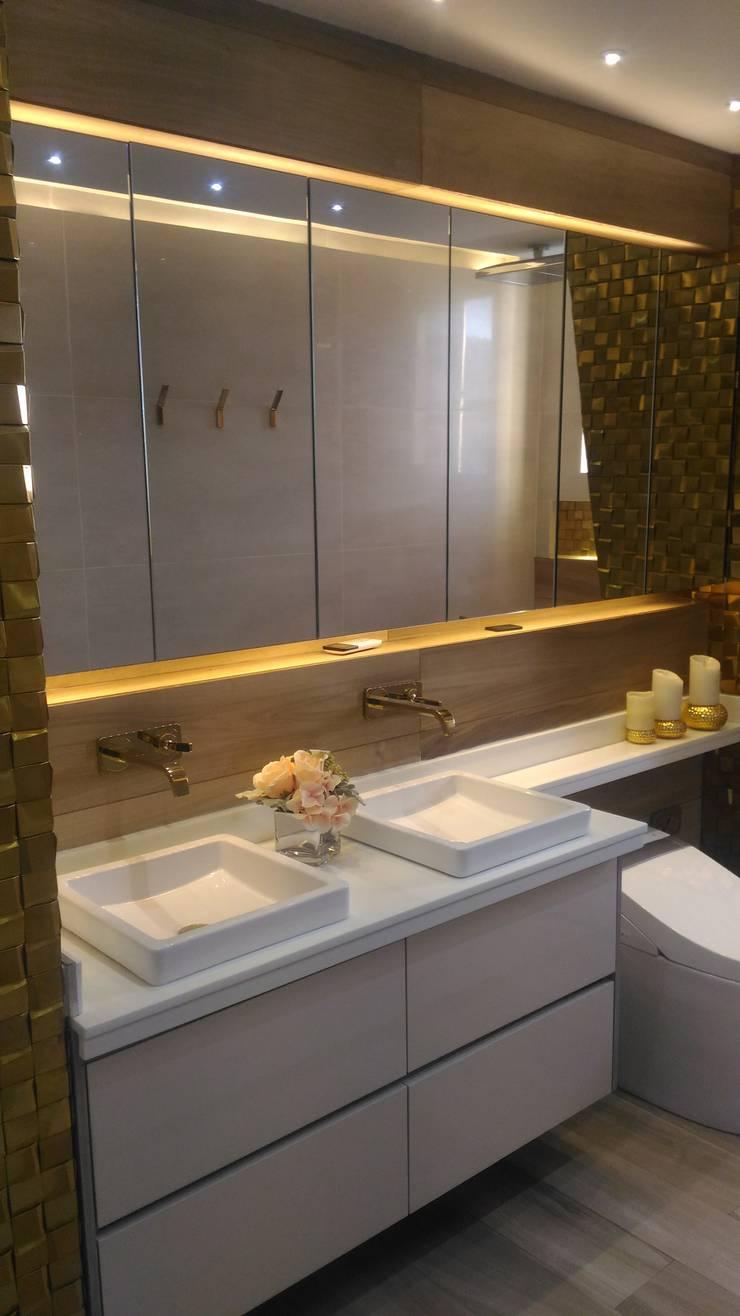 Mueble de baño en Kronox: Baños de estilo  por CAMALEON DISEÑOS, Minimalista