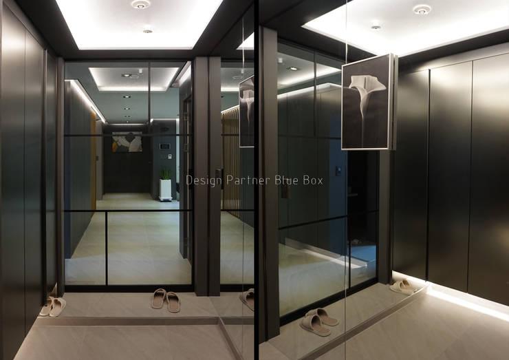 현관 디자인 : Design Partner Blue box의  복도 & 현관