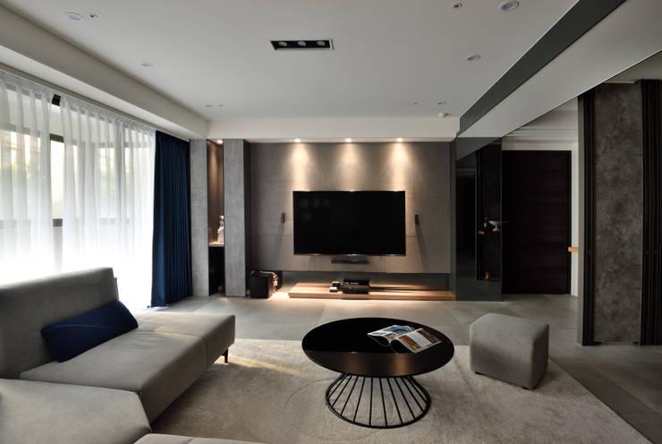 Living room by 星葉室內裝修有限公司