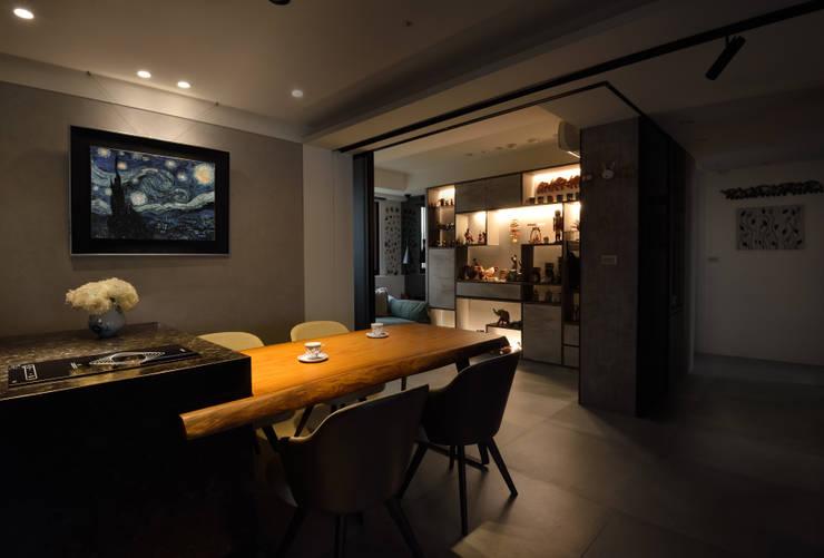Salle à manger de style  par 星葉室內裝修有限公司