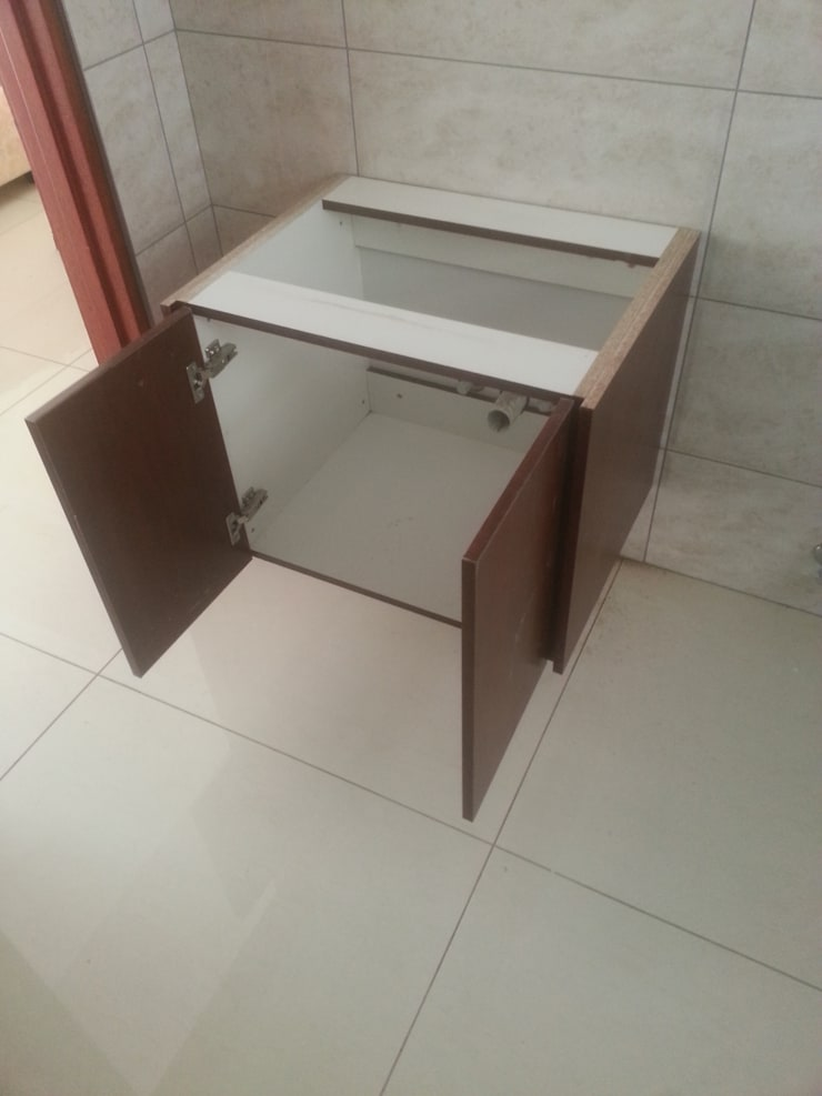 Vanities installed (Springs Gauteng):   by Pulse Square Constructions