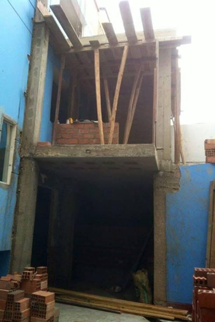 Remodelacion y construcción de cocina  en patio trasero.:  de estilo  por BJC CONTRATISTAS GENERALES SAC,