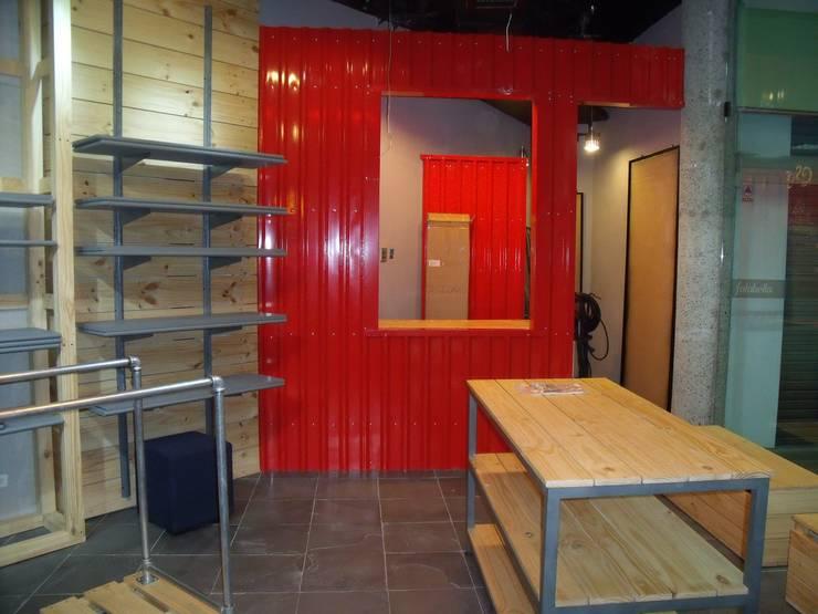 REMODELACION LOCAL COMERCIAL: Centros comerciales de estilo  por Proyecond Obras SAS