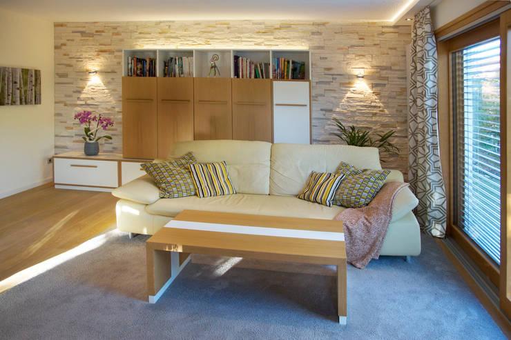 Wohnzimmer Im Modernen Landhausstil автор T Raumkonzept
