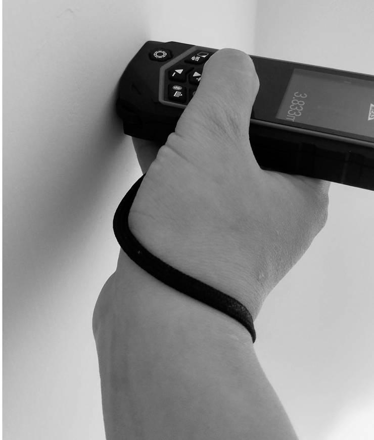 智慧型測距儀的數據會自動導入手機中:   by 知森數位開發有限公司