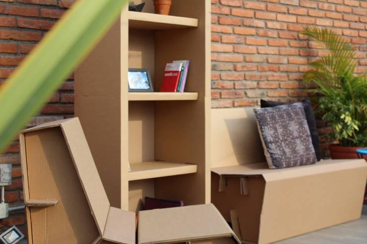 LIBRERO, SOFA: Salas de estilo  por Modulec