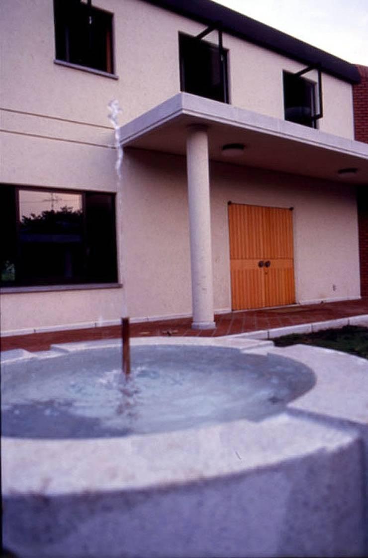 自己を築く学校建築 創作館: 松井建築研究所が手掛けた家です。,オリジナル