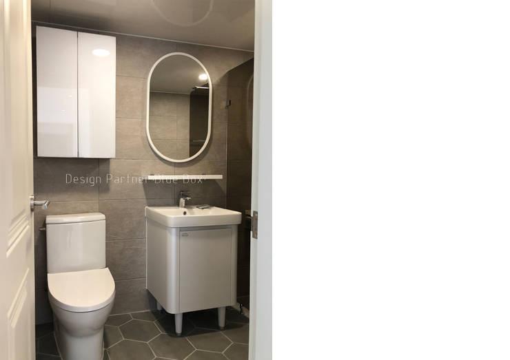 욕실인테리어: Design Partner Blue box의  욕실,
