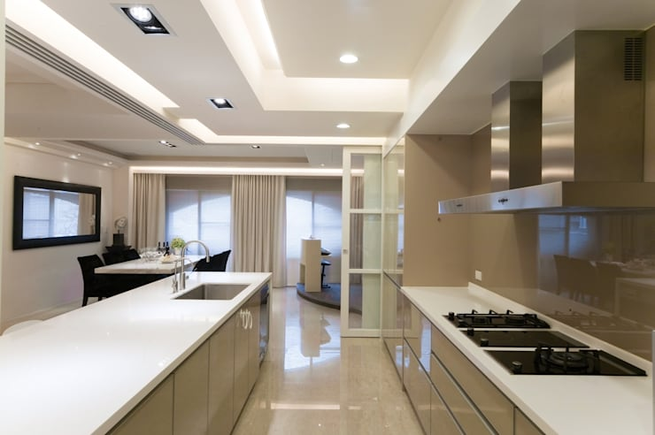高監周公館:  廚房 by 雅群空間設計