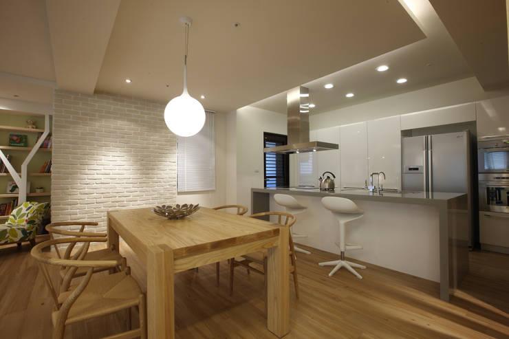 戀戀英國:  餐廳 by 雅群空間設計