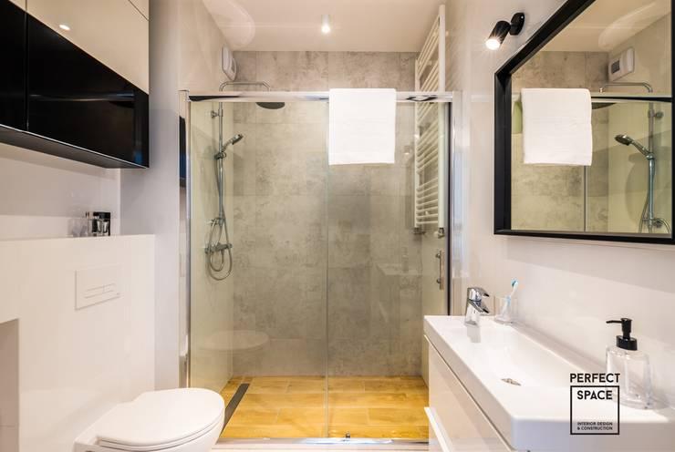 Baños de estilo minimalista de Perfect Space Minimalista